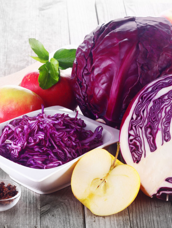 fresh-apples-red-cabbage