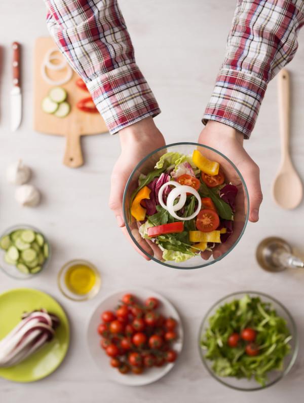Salade composee @AndreaDeMartin_123RF